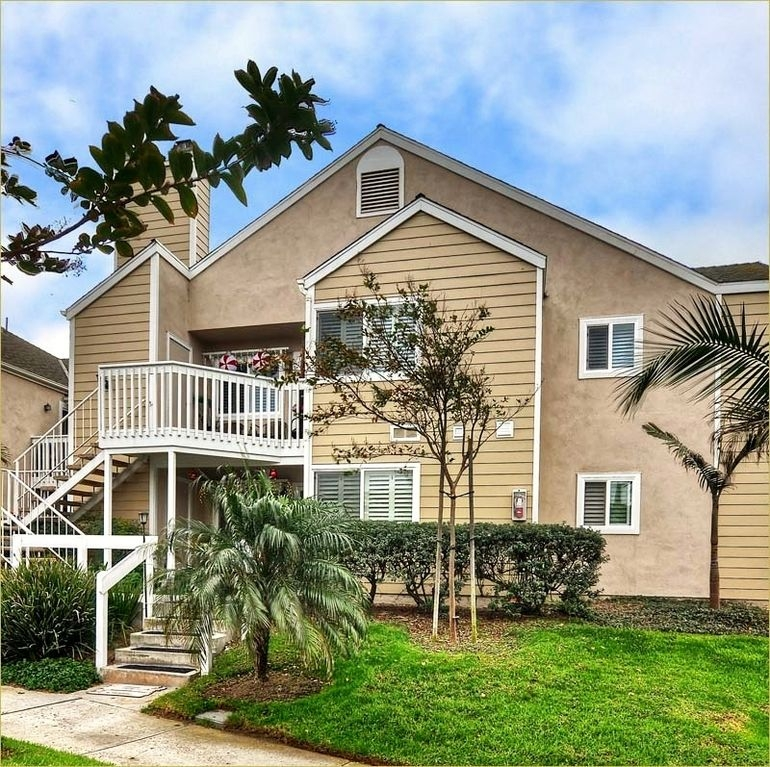 Available Ocean View 3 bedroom