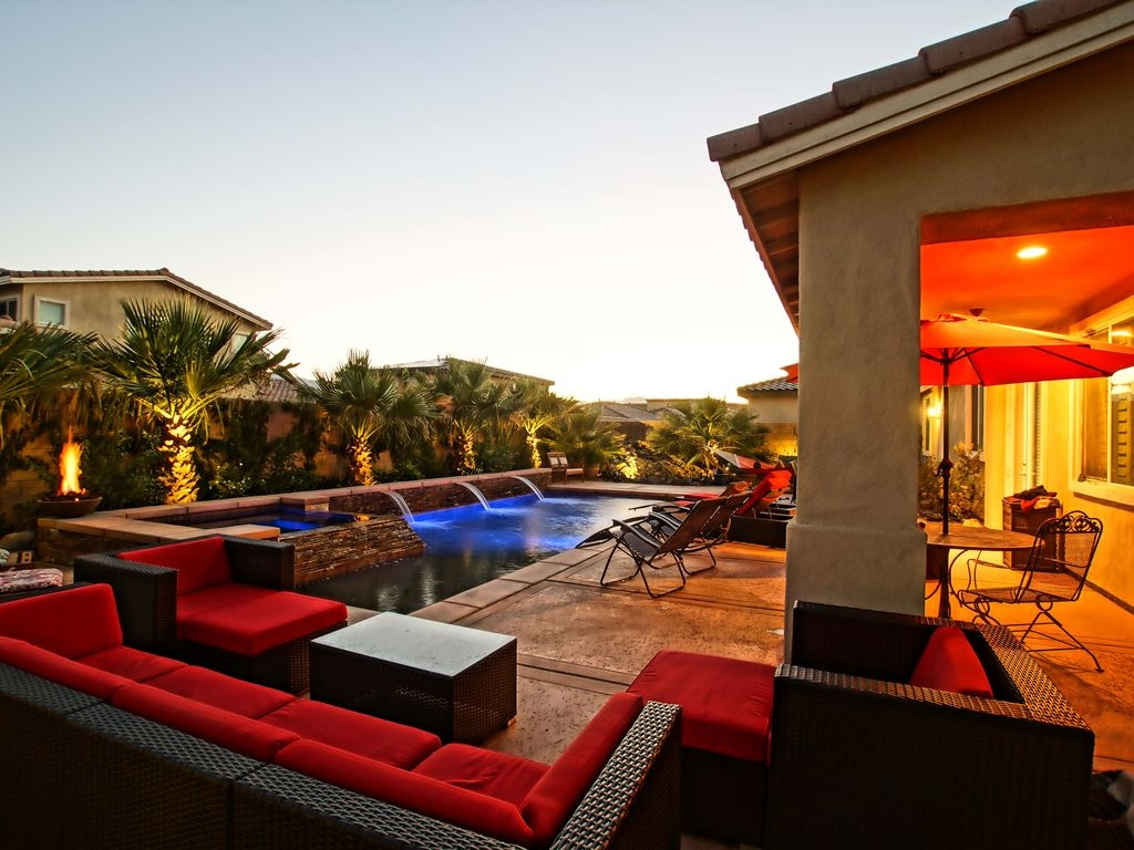 LUX GRANDÉ OASIS, Resort Style Pool/Spa, 5 BR - Coachella, StageCoach, Holidays