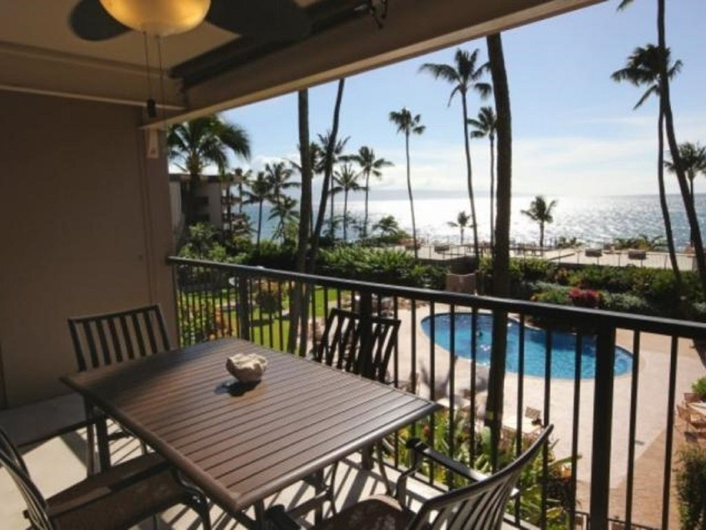 Luxury Oceanview Condo, Beautiful Renovated One Bedroom w pool West Maui