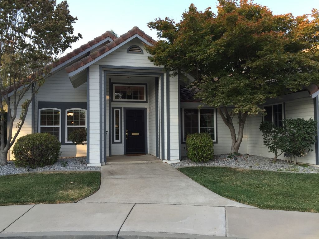 Family-Friendly Home for gatherings, if visiting U of Merced, or Sightseeing.
