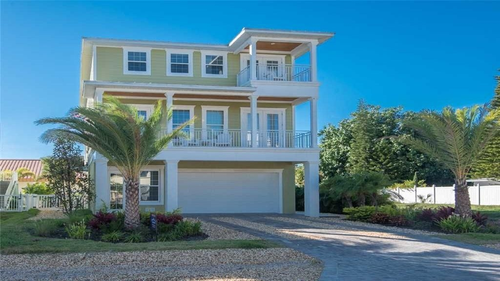 5/3.5 Across from Beach, Golf Cart, Heated Pool, Game Room, Rooftop Deck, Beat