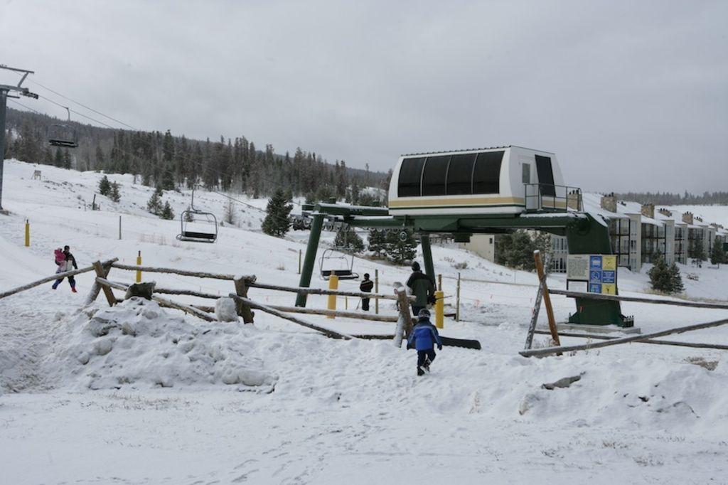 Ski-In,Ski-Out, 2BR Condo, Solvista Family Ski Hill - Sleeps 6