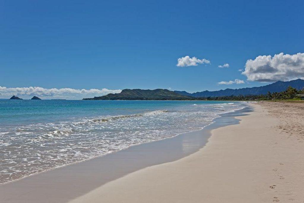 Beachside Beauty Just Steps To Fabulous Kailua Beach