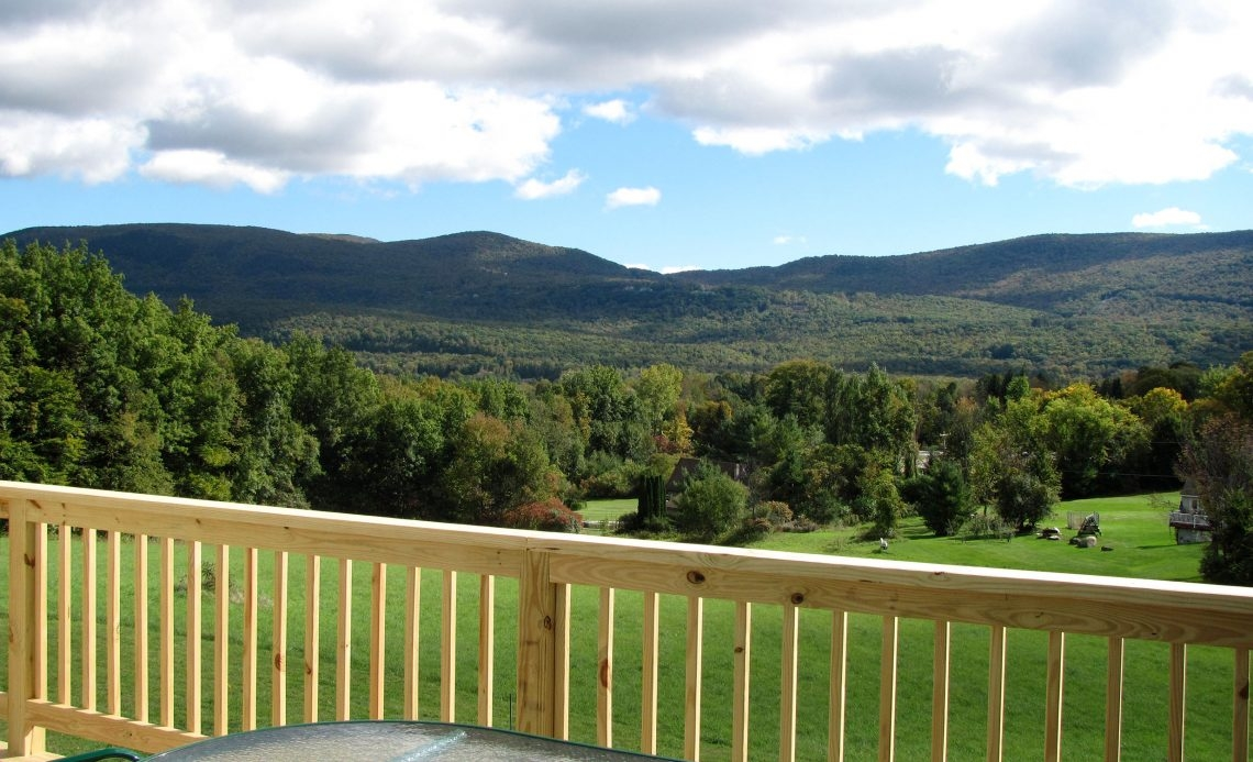 3 bedrooms 3.5 bathrooms on 3.8 acres with Views!