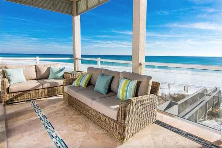 DESTIN LUXURY BEACH FRONT 8 BED 6 BATH 4,000 SQ FT HOT TUB ON PRIVATE BEACH!!